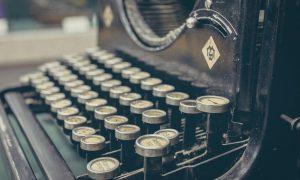 A vintage typewriter. Photo: pexels.com