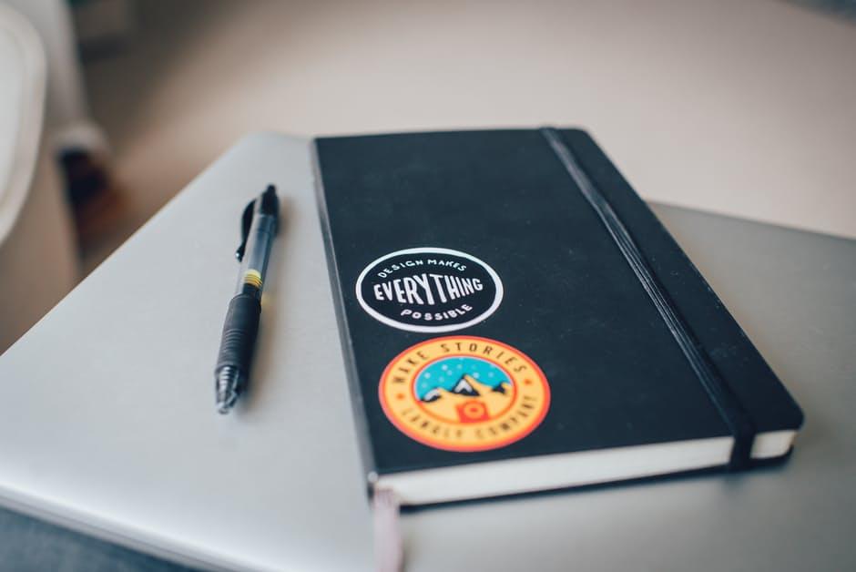 Diary? Check. Pen? Check. Laptop? Check. Photo: Pexels.com