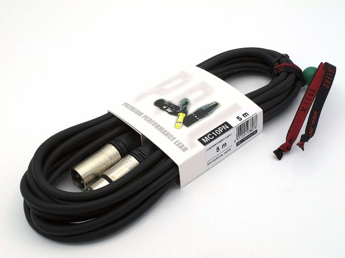 Microphone lead (XLR)